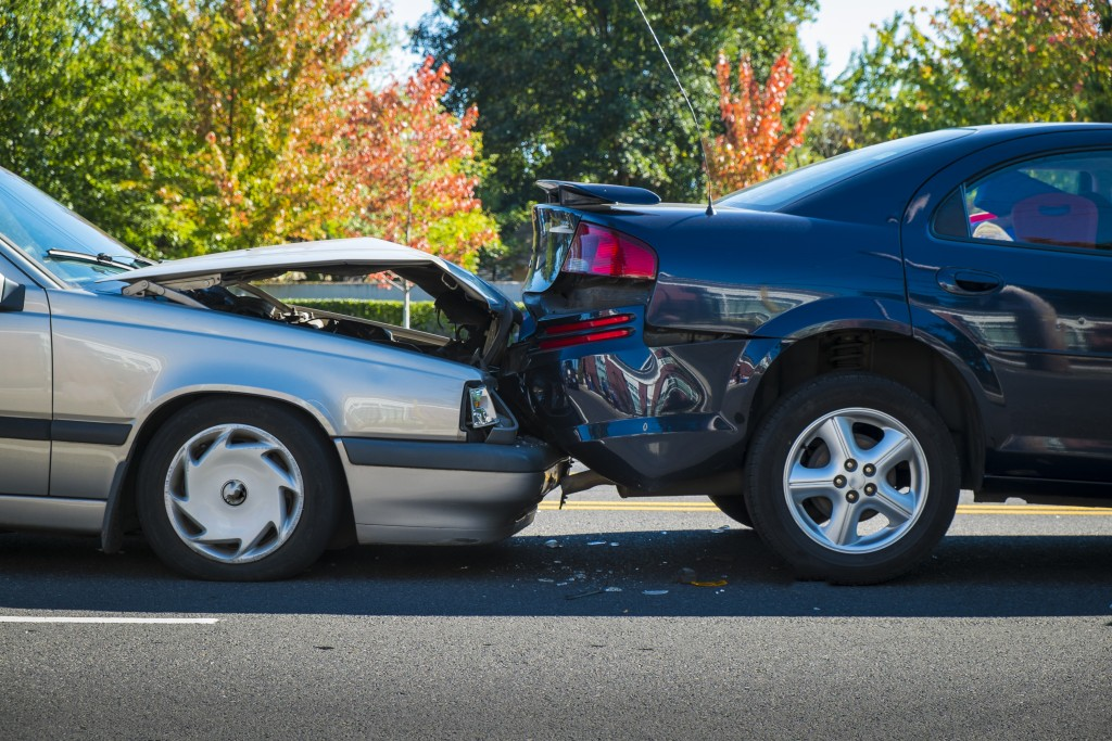 2 cars in an accident